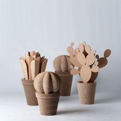 15 DIY Sinterklaas surprise ideas from cardboard -, 15 DIY Sinterklaas surprise ideas from cardboard … - Cactus DIY Cardboard Sculpture, Cardboard Paper, Cardboard Crafts, Diy Paper, Paper Crafting, Carton Diy, Diy Karton, Paper Plants, Cactus Decor