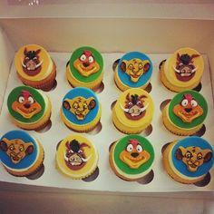 lion king cupcakes by caked Las Vegas Lion King Theme, Lion King Party, Cupcake Party, Cupcake Cakes, Cup Cakes, Lion King Cupcakes, Character Cupcakes, Disney Cupcakes, King Simba