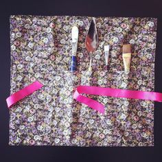 Gettin' Crafty with Lili Mouskouri: Paintbrush Roll Case