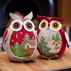 Heaven Sends Standing Owl Set of 2 Christmas Sewing, Diy Christmas Ornaments, Felt Ornaments, Christmas Decorations To Make, Christmas Projects, Christmas Stockings, Holiday Decor, Fabric Crafts, Sewing Crafts