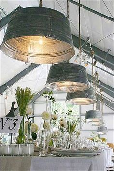 I love the idea of upcycling objects and this is a lovely way to decorate a saloon. The romantic and rustic effect that gives these beautiful metal wash tubs as pendant lamps is simply gorgeous Old Kitchen, Kitchen Items, Kitchen Stuff, Kitchen Supplies, Smart Kitchen, Kitchen Utensils, Kitchen Island, Country Kitchen, Rustic Kitchen