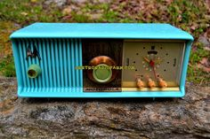 "VIVID Turquoise Retro Jetsons 1957 Motorola 57CC Tube AM Clock Radio Totally Restored! DIMENSIONS: Approximately 13.5"" x 6"" x 5.5"" (l x w x h) COLOR: Vivid Turq"