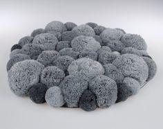 Szary dywanik z pomponów do łazienki, sypialni - PomponMyLove - Dywany