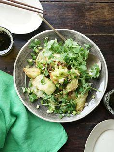 中国山椒「花椒」は、独特のピリリとした辛さが特徴。山椒で代用すると少し和っぽい味わいに。|『ELLE gourmet(エル・グルメ)』はおしゃれで簡単なレシピが満載!