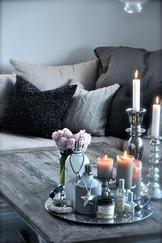 love the change in glittery cushiosn to change the mood from house of http://villapaprika.no/# blog