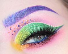 Bright and unexpected eye makeup palette from @beccaboo318
