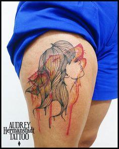 Audrey Hermanstadt e suas tattoos em aquarelas vibrantes e multicoloridas