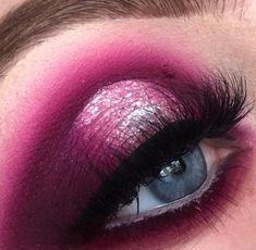 Bold Eye makeup look   Pink and White matte shimmer Eyeshadows   Valentines Day Makeup Look   Valentine Look   Black Liner   Spotlight Halo Eye Makeup Look   Makeup for blue eyes #makeup #valentinesday #valentine #eyemakeup #eyes #eyeshadow Pin: @amerishabeauty #blueeyemakeup