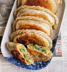 Chive Pockets Steam Buns Recipe, Bun Recipe, Chinese Sticky Rice, Chinese Food, Dumpling Filling, Steamed Buns, Egg Rolls, Spring Rolls, Hot Dog Buns