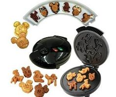 Disney Mickey &Gang 5 in 1 Tasty Baker Waffle Maker Cozinha Do Mickey Mouse, Mickey Mouse Kitchen, Baked Pancakes, Pancakes And Waffles, Pancake Muffins, Pancake Maker, Mickey Y Minnie, Disney Mickey Mouse, Minnie Mouse