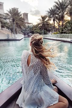 Floating into sunset, Dubai travel guide: http://www.ohhcouture.com/2017/01/dubai-travelguide/ | #ohhcouture #LeonieHanne