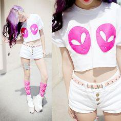 Red Rock Pink Alien Tits, Topshop Rave Belt, American Apparel Shorts, Dan Tam Pham Exclusive Garter For Me, Huf Pink Weed Socks, Deandri Hansels