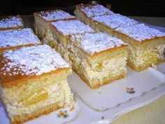 Ananászos túrós pite Cornbread, Vanilla Cake, Banana Bread, Gem, French Toast, Food And Drink, Yummy Food, Delicious Meals, Cooking Recipes