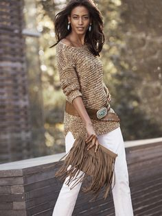 Wear what you love. Love what you wear. Our Textured Sherri Pullover is pairs perfectly with our Frangetta Fringe Bag.
