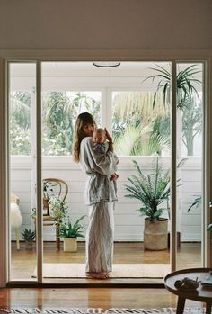 New Generation Beauty Family Goals, Family Love, Courtney Adamo, Generation Beauty, Jolie Photo, Mother And Child, Mommy And Me, Mom Style, Baby Fever