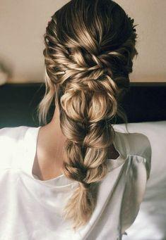 Nous aimons préparer les épouses! Nous sommes un Canchera, frais et marque naturelle pour les mariées. Faire le maquillage, les cheveux et Touché à la main personnalisé pour chacun, adapter à la personnalité, la robe, et l'apparence. Nous sommes par le professionnalisme, le dévouement et la ponctualité, Veil Hairstyles, Casual Hairstyles, Wedding Hairstyles, Bohemian Wedding Hair, Beach Wedding Hair, Makeup Salon, Hair Makeup, Prom Make Up For Blue Dress, Bridal Hair Inspiration