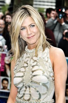 Jennifer Aniston~ Love her hair color and her dress