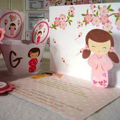 Kokeshi Pop Up invitaciones invitaciones por TresChicPartyDesigns