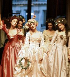 how to throw a marie antoinette themed party