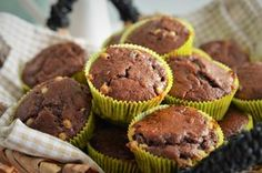 briose cu banane si iaurt grecesc Lidl, Muffins, Food And Drink, Cupcakes, Sweets, Breakfast, Desserts, Greece, Banana