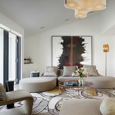 Living Room Inspiration: interior design by Peter Marino, featured on 2016 AD 100 list #decoratingideas #interiorarchitecture #interiordesigner More inspiration at http://www.brabbu.com/en/inspiration-and-ideas/interior-design/2016-100-list-peter-marino-decoration-ideas