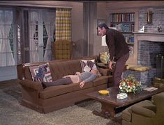 Retro home decor, kindly read this cozy retro home decor pin number 8081151185 for lovely room. 1960s Living Room, Bewitched Tv Show, 1950s Home Decor, 1960s Tv Shows, Bewitched Elizabeth Montgomery, Childhood Tv Shows, Old Shows, Home Tv, Cinema