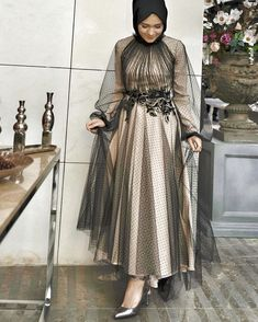 Image may contain: 1 person, standing Hijab Evening Dress, Hijab Dress Party, Evening Dresses, Kebaya Dress, Dress Pesta, Hijab Fashion, Fashion Dresses, Fashion Beauty, Tea Length Bridesmaid Dresses