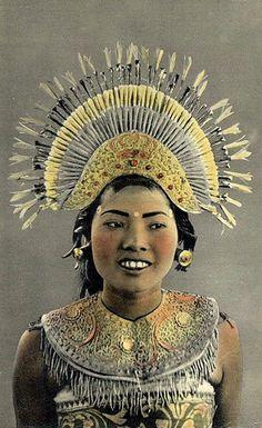Balinese dancer, postcard 1940s.