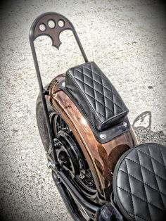 Tail End Customs:   I could do a rider seat like this...?