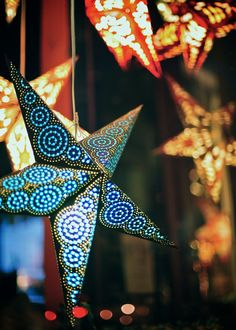 """raspberrytart: """" Good Golly, Miss Molly Star (by dude,walking,on (in ☮)) """" Bright Stars, Merry And Bright, Chinese Paper Lanterns, Star Lanterns, Paper Light, Paper Crafts, Diy Crafts, Paper Stars, Christmas Time"""
