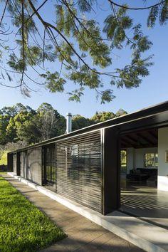 Lune de Sang – Stone House / CHROFI #pin_it #repine @mundodascasas www.mundodascasas.com.br