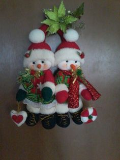 *** by norris e carr Diy Felt Christmas Tree, Christmas Projects, Christmas Stockings, Christmas Wreaths, Christmas Decorations, Christmas Ornaments, Holiday Decor, Felt Diy, Felt Crafts