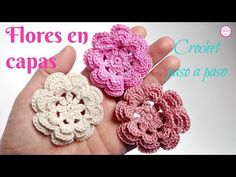 Learn to crochet triple layer petals flower step by step. Very beautiful and attractive with modern design. You can make other synthesis of very beautiful colors. Crochet Fall, Unique Crochet, Diy Crochet, Crochet Puff Flower, Crochet Flowers, Crochet Motif Patterns, Crochet Designs, Crochet Capas, Crochet Videos