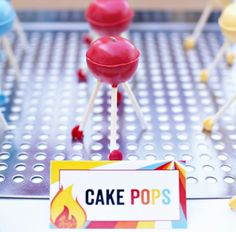 Teeny little BBQ grill cake pops!