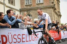 Froome extends Sky contract to 2020AFP