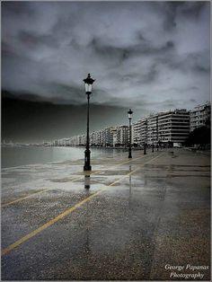 Θεσσαλονίκη, γοητευτική ακόμα και με βροχή! Φωτογραφία: George Papanas