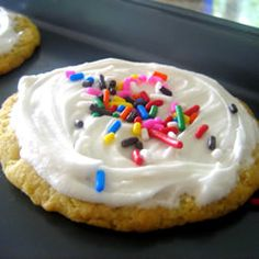 Sugar Cookie Frosting Recipe- used this on the sugar cookies I made for Eric's bday.