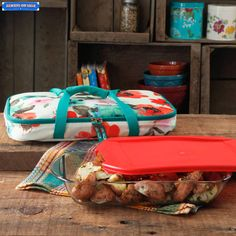 The Pioneer Woman Vintage Bloom Decorated Rectangular Baker with Tote, 3 qt Or something comparable. I like this one because its Rees and its pretty. The insulated tote is the important part. At Wal-Mart The Pioneer Woman, Pioneer Woman Dishes, Pioneer Woman Kitchen, Pioneer Woman Recipes, Pioneer Women, Kitchen Items, Kitchen Dining, Kitchen Stuff, Kitchen Things