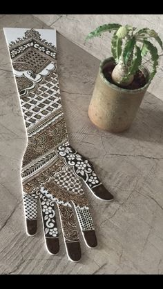 @henna_by_zishan Khafif Mehndi Design, Mehndi Design Pictures, Dulhan Mehndi Designs, Mehndi Art Designs, Latest Mehndi Designs, Bridal Mehndi Designs, Indian Henna Designs, Full Hand Mehndi Designs, Mehndi Designs For Beginners