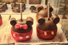 Mickey and Minnie mouse apple fudge pops