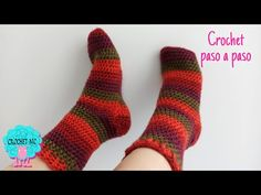 Crochet Socks Pattern, Crochet Shoes, Diy And Crafts, Arts And Crafts, Crochet Humor, Youtube, Make It Yourself, Knitting, Sacks