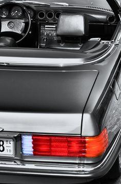 Mercedes-Benz SL (107 series).