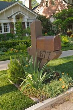 Mailbox Gardens On Pinterest Mailbox Garden The Mailbox And Mailbox