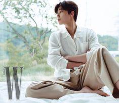 Instagram 上的 Park Seo Joon (Fan Page) ❤️:「 Park Seo Joon for @wkorea 😳🤭😍🤍 Omg the photo shoot came out 🔥 W Korea July issue (Cover Star) He looks so so handsome…. I have no words… 」 Ahn Hyo Seop, W Korea, Park Seo Jun, Jung Yunho, Seo Joon, Kpop, Handsome, Photoshoot, Instagram