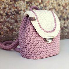 69 Ideas For Knitting Bag Design Crochet Case, Crochet Wallet, Diy Crochet, Crochet Crafts, Crochet Backpack Pattern, Crochet Purse Patterns, Crochet Handbags, Crochet Purses, Diy Clothes Bag