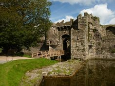 The entrance to Beaumaris Castle on Anglesey, North Wales. Welsh Castles, Life Moves Pretty Fast, Palace Interior, What A Beautiful World, Castle House, North Wales, Medieval Castle, Cathedrals, Beautiful Islands