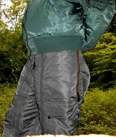 Bomberjacket and Nylon Pants Comfy Pants, Adidas Shorts, Hoodie Jacket, Parka, Sexy Men, Parachute Pants, Gay, Trousers, Winter Jackets