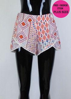 Coral Printed Shorts - #blondellamydean #plussizefashion #plussize #curves