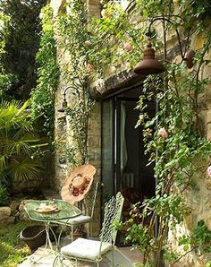 Garden Patio, Palermo, Italy And I want it in my yard. Outdoor Rooms, Outdoor Gardens, Outdoor Living, Outdoor Decor, Rustic Outdoor, Indoor Outdoor, The Secret Garden, Secret Gardens, Gardening