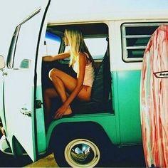 #surfviechles #vw #vwvan #surflikeagirl #surfgirl #girlssurfer #girlssurfing #surfergirls #longboard #surfer #surfing #surfwahine #surfergirls #sunsetsurfer #sunset #sunrise #volkswagen (Hawaiian...
